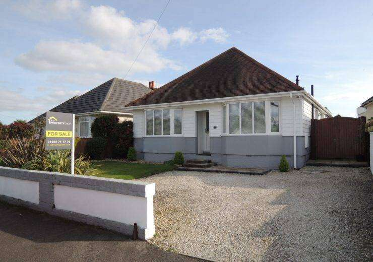 BEAUTIFUL BUNGALOW – THREE DOUBLE BEDROOMS