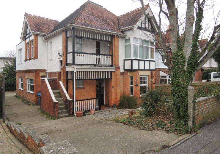 Three Bedroom Ground Floor Flat in Lower Parkstone with Freehold