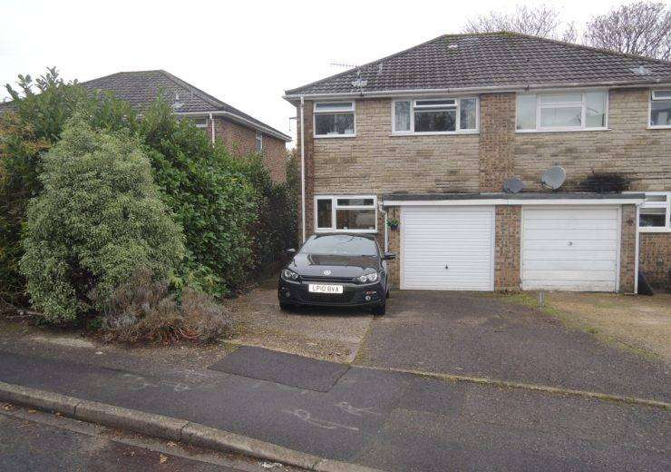 Three doubled bedroom semi detached house in favoured school catchment