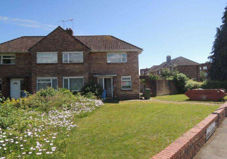 ideal project two / three bedrooms semi detached house
